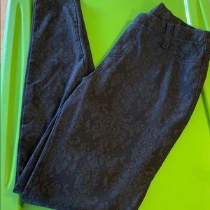 3/$20 Faded Glory 8/10 Medium black jeggings